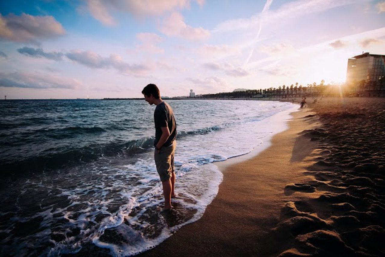 vieux gay sur la plage gay water