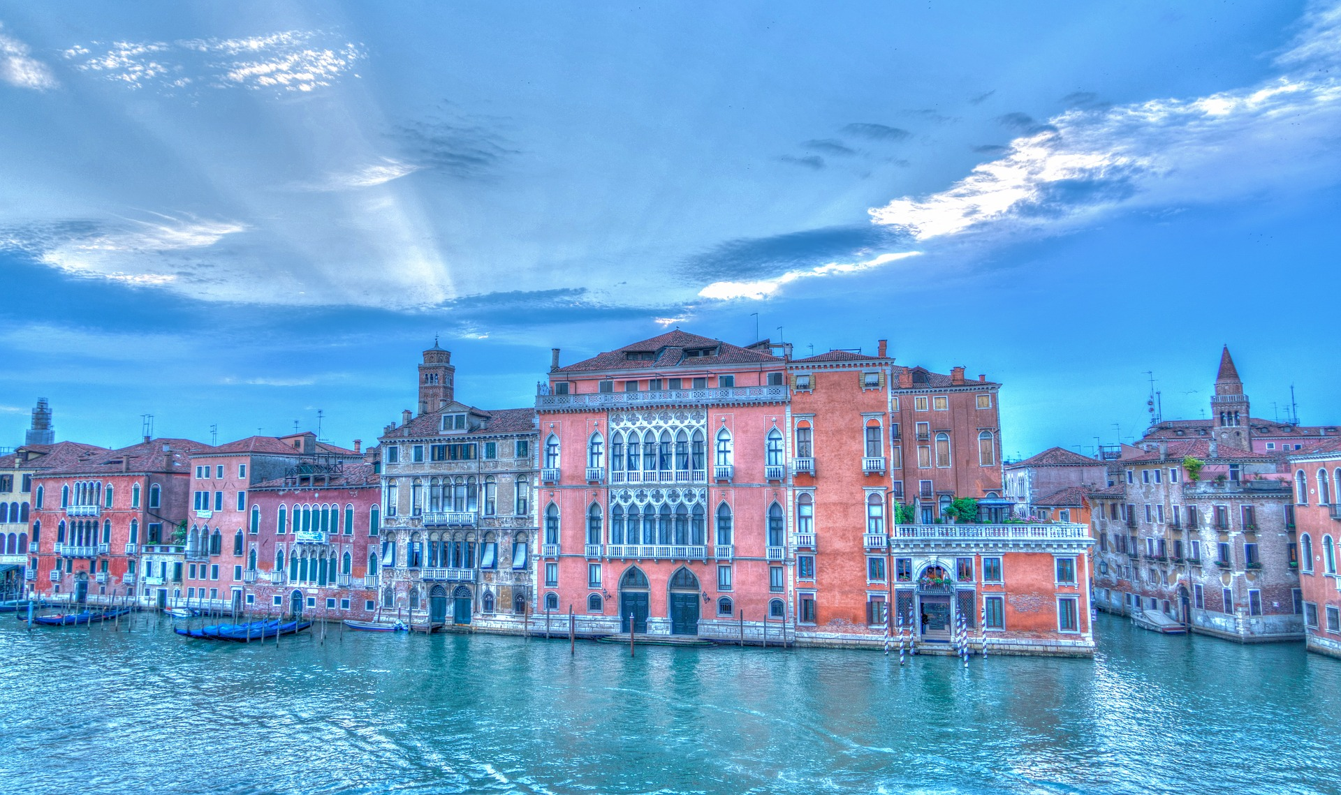 from Logan gay italy venise