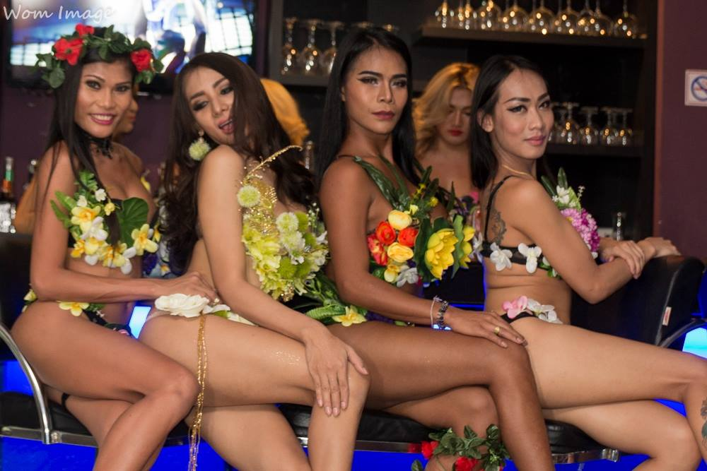 Sensations Bar Soi Buakaow à Pattaya : bar de ladyboy