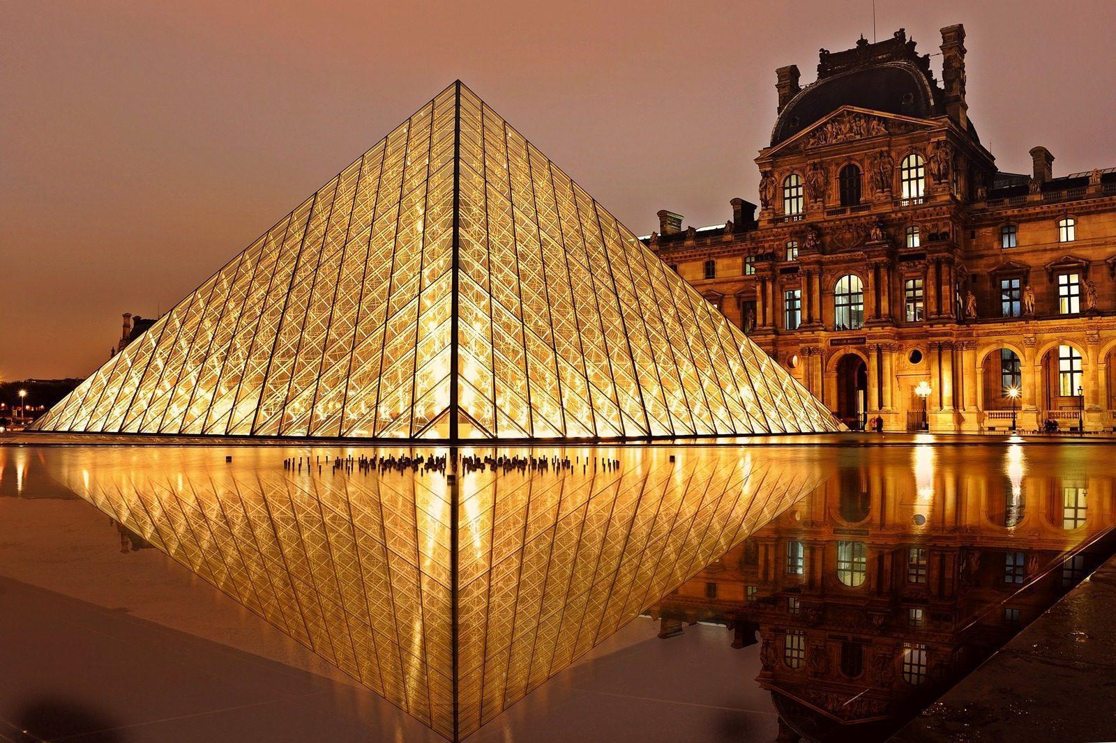 Pyramide du Louvres à Paris - Quoi faire?