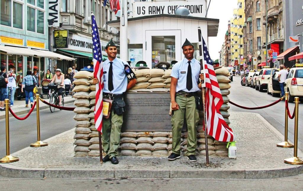 Checkpoint Charlie de Berlin
