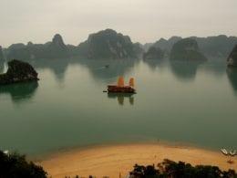Comment choisir sa croisière sur la Baie d'Halong