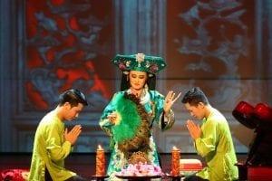 Spectacle du Four Palaces Show à Hanoï