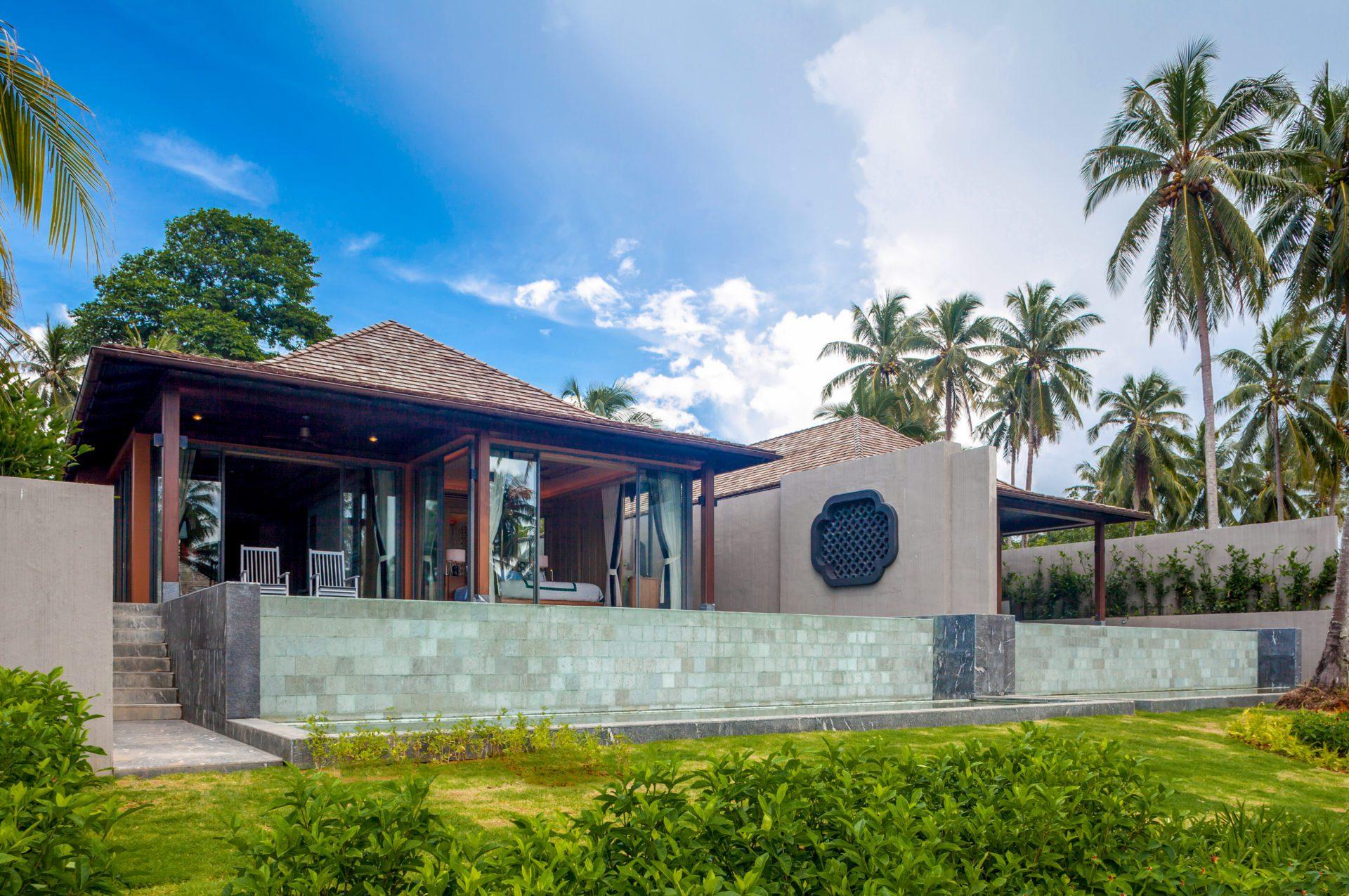 Phuket villa gay