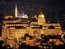 Hongrie : le parlement adopte les partenariats civils