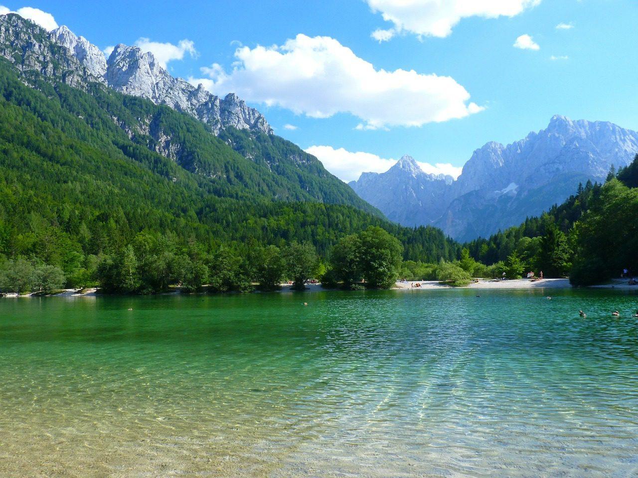 Poursuites en plein air de la Slovénie