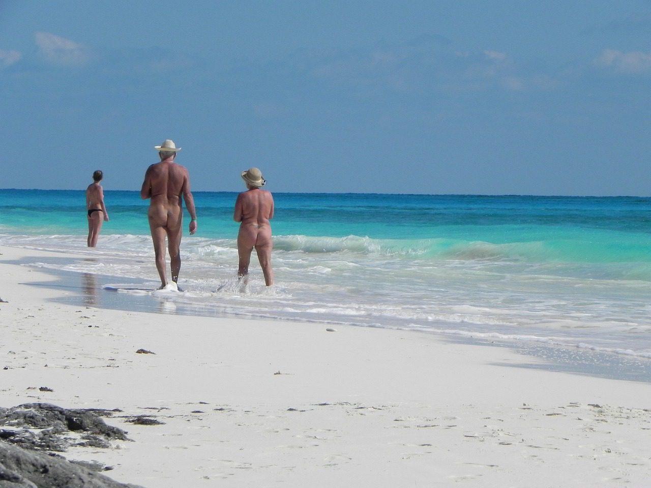 10 meilleures plages de nudistes gays d'Europe