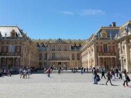 Visitez le Château de Versailles avec un guide francophone