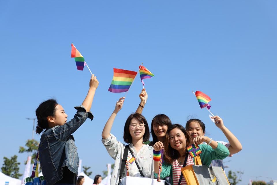 Opposition aux droits légaux des LGBT à Hong Kong au plus bas
