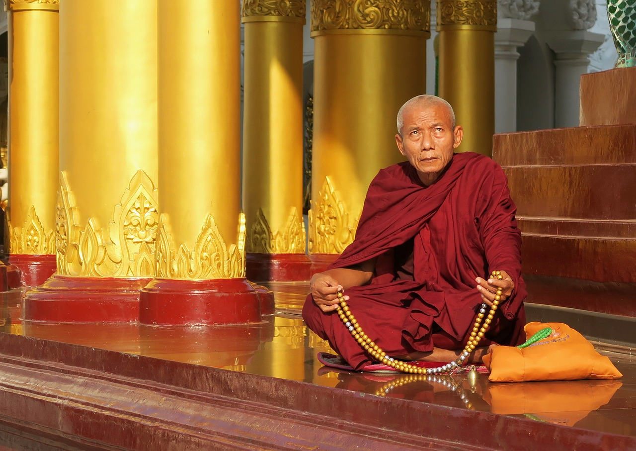 Construction du stupa de Shwedagon