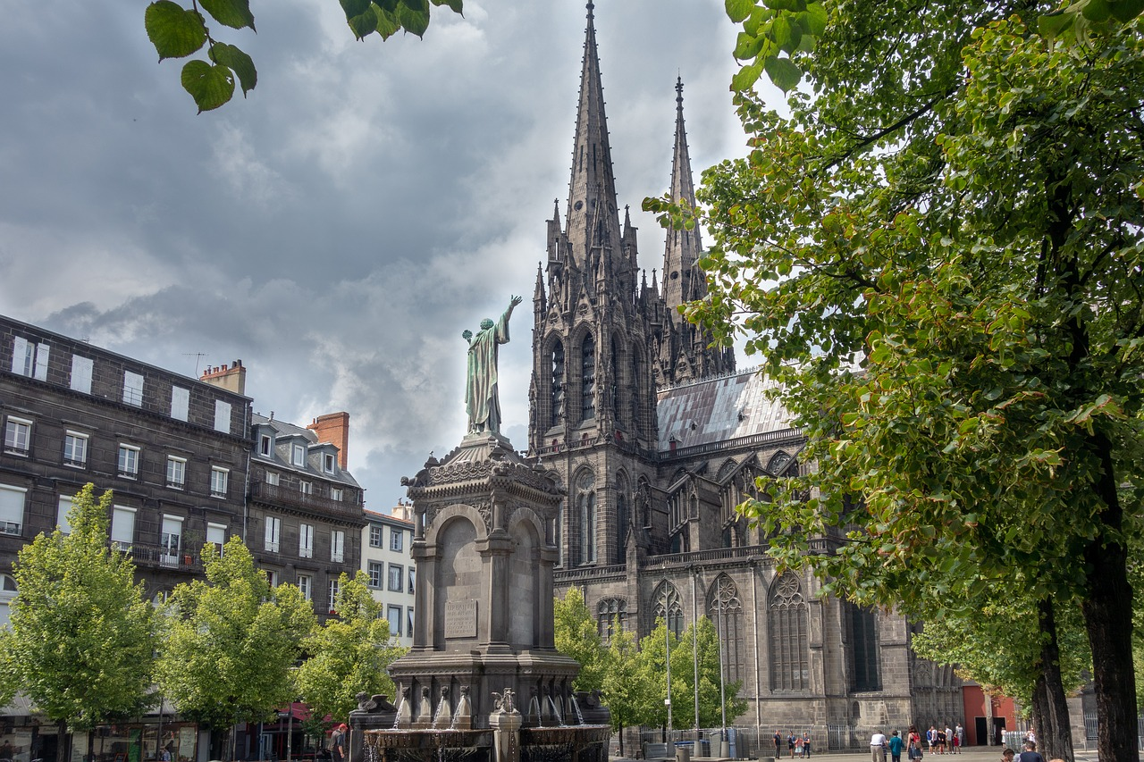 Guide gay de Clermont-Ferrand