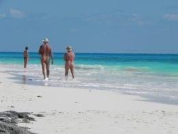 Les îles Canaries pour les nudistes