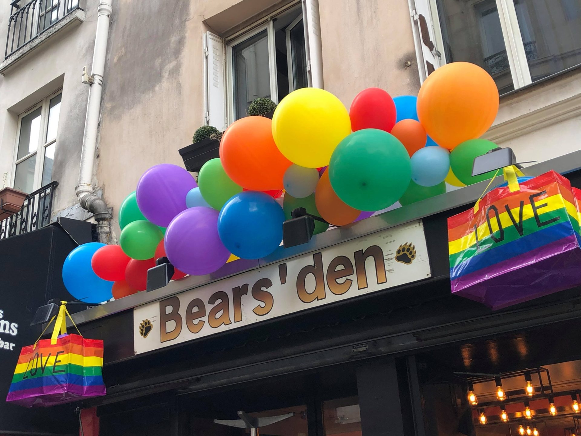 Bear's Den Paris
