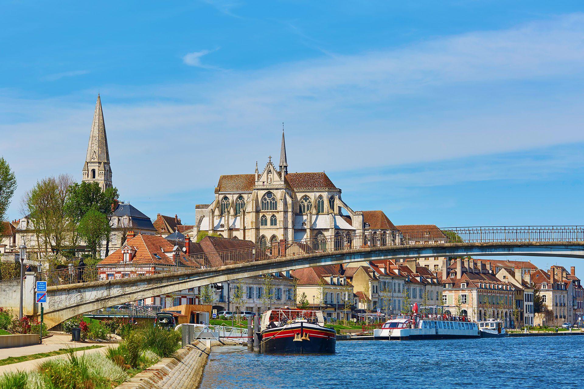 Destination gay d'Auxerre