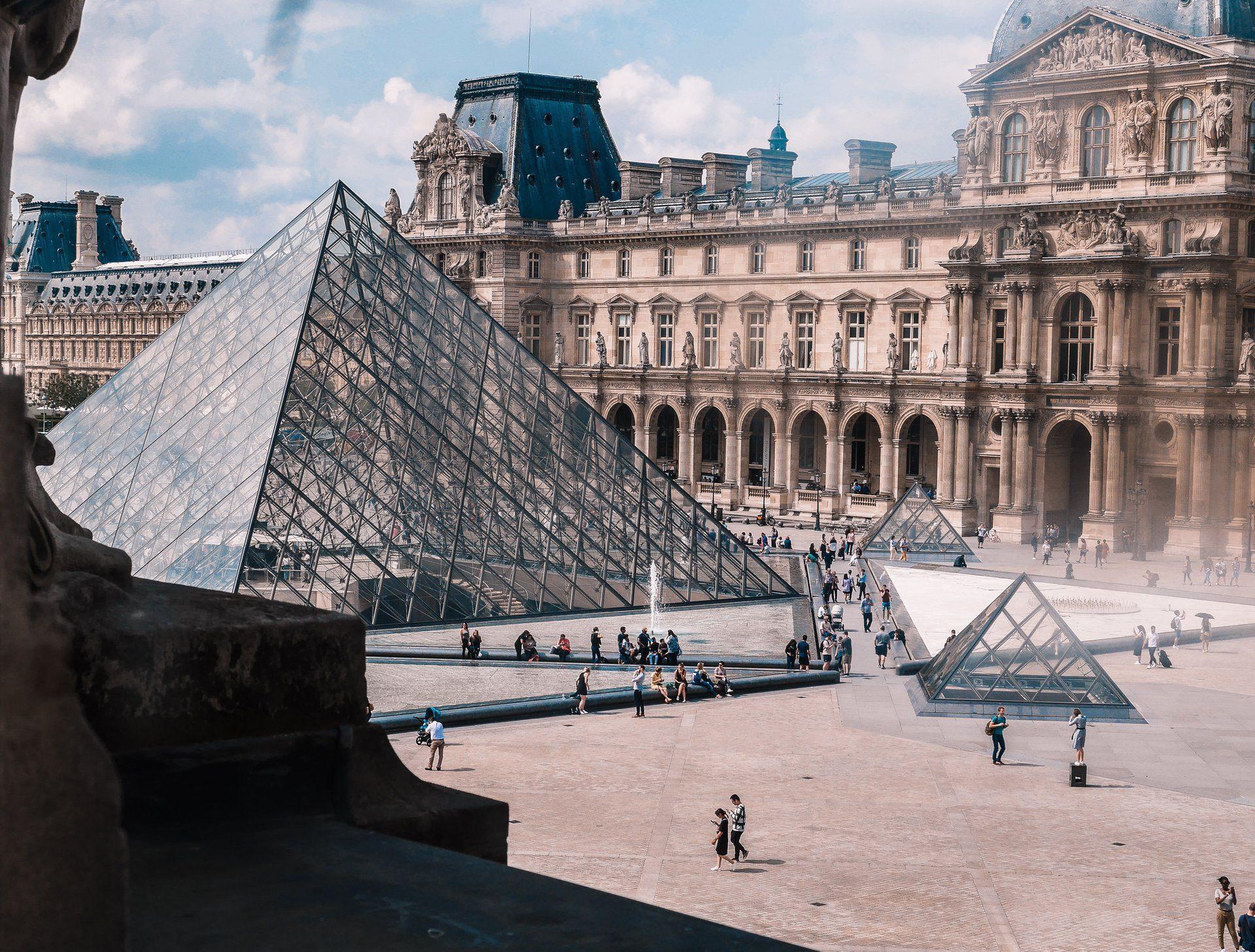 Les plus grandes œuvres sont exposées au Musée du Louvre