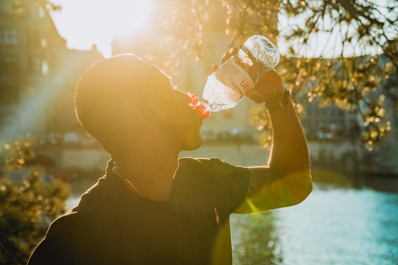 4 méthodes pour rendre l'eau potable en voyage