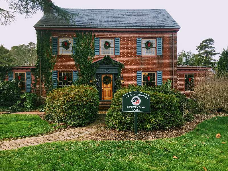 Williamsburg Manor Bed & Breakfast
