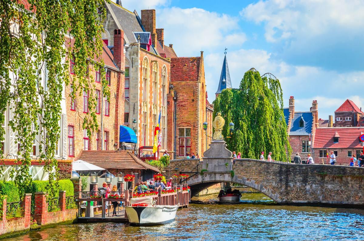 Bienvenue à tous ceux qui veulent visiter Bruges