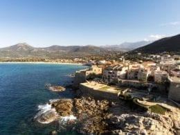 Une visite gay friendly à Algajola en Corse
