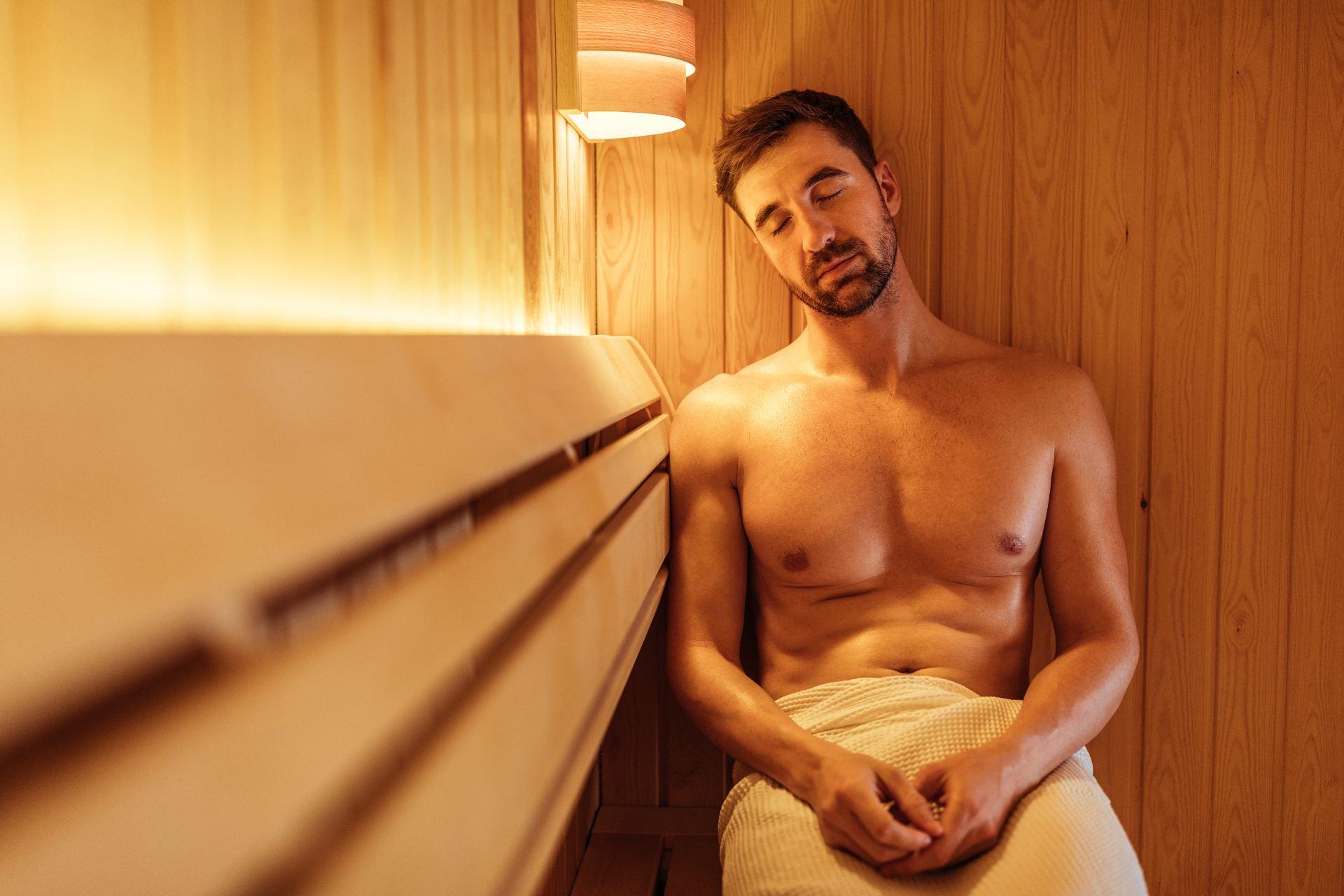 Ce qu'il faut savoir avant d'entrer dans un sauna gay