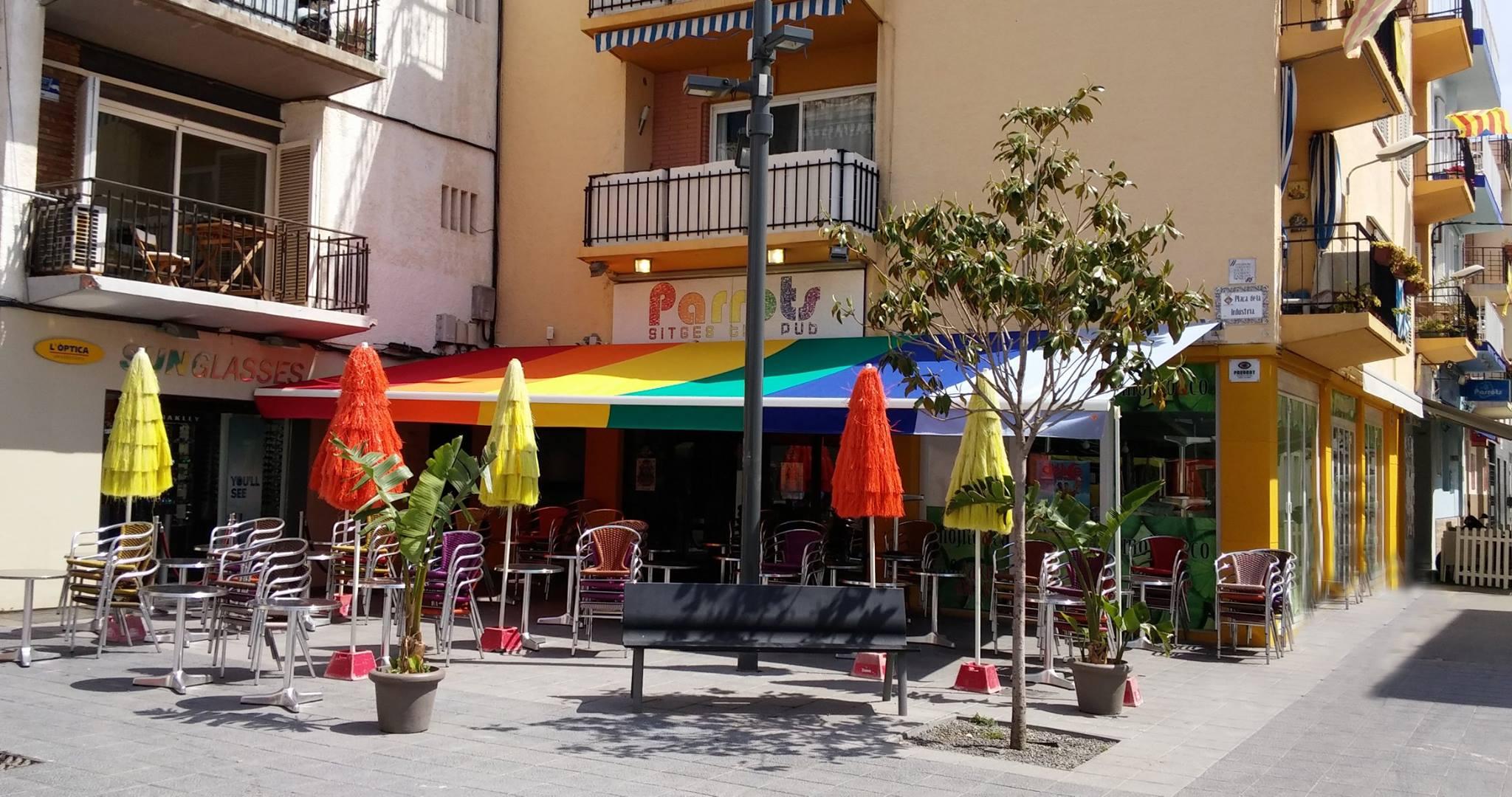 Le Parrots à Sitges, là où tout commence pour vos vacances