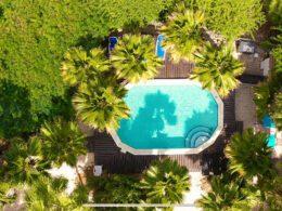 Voyagez au coeur des fonds marins avec Tropical Divers Resort