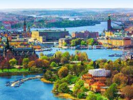 Et si vous tentiez le « workation » dans la nature suédoise? Voici 12 lieux où combiner travail et vacances!