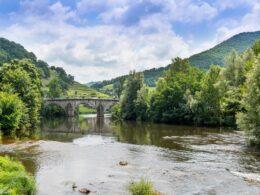 Visitez Entraygues-sur-Truyère le temps de vos vacances