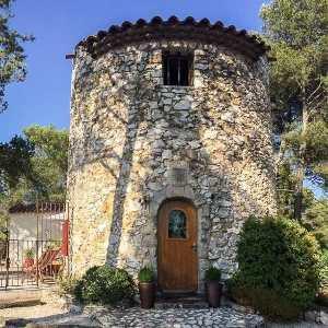 Ancien moulin provincial